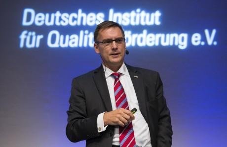 Professor Dr. Peter König